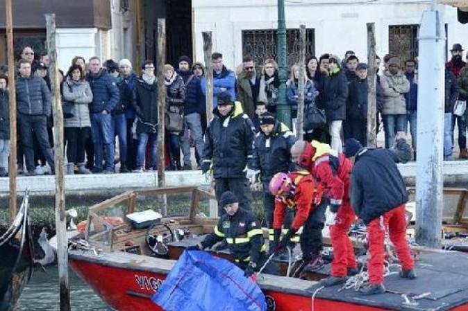 Venezia, profugo si suicida nel Canal Grande