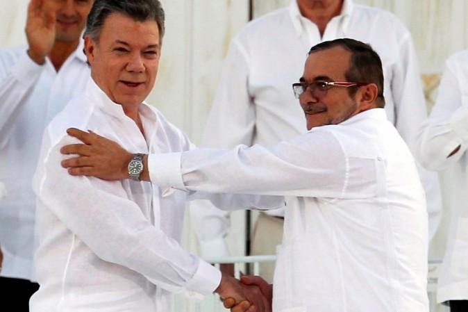 Bogotà, governo e FARC firmano nuovo accordo di pace