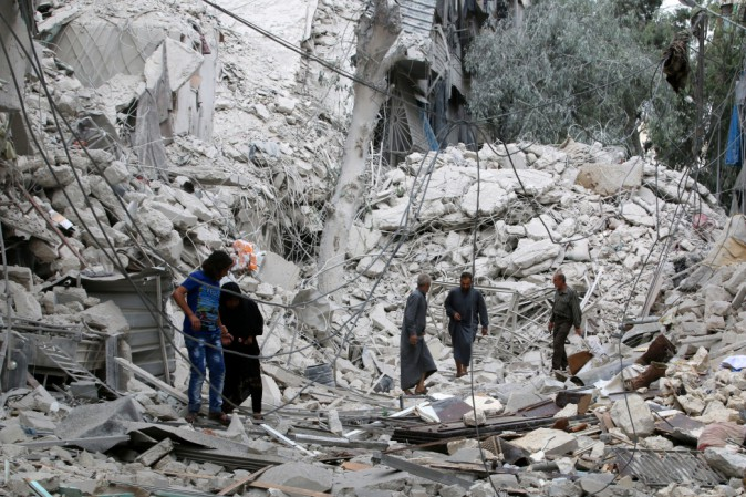 Siria: da 25 a 50 morti tra i civili dopo i raid