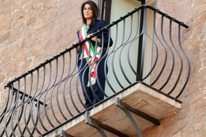 Roma, Raggi cede: Giunta verso il rimpasto