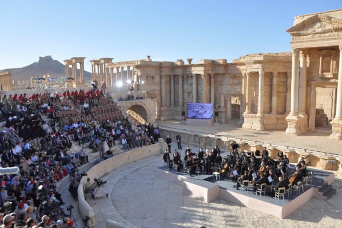 Siria: Isis, colpito teatro Palmira