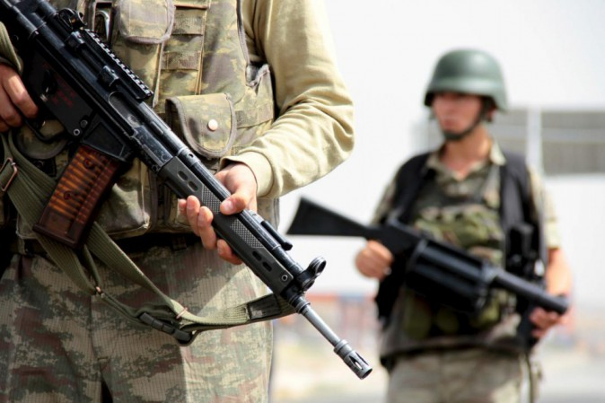 Siria, Damasco attacca i curdi: