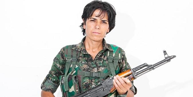 Le donne che combattono l'Isis
