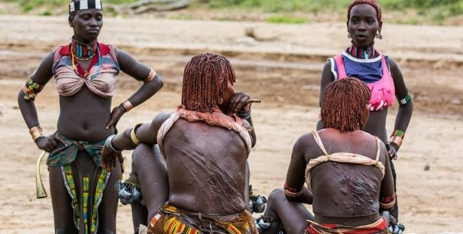 Riti tribali in etiopia tpi - Letto di un fiume in secca ...