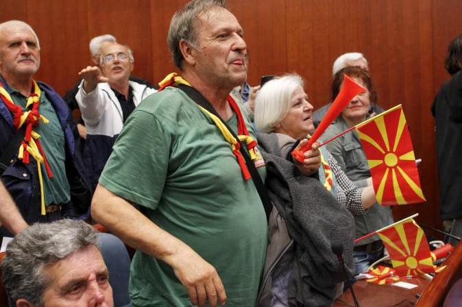 Botte nel Parlamento della Macedonia