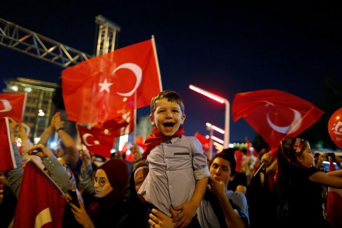 Erdogan sprezzante e arrogante attacca l'Europa e l'Italia