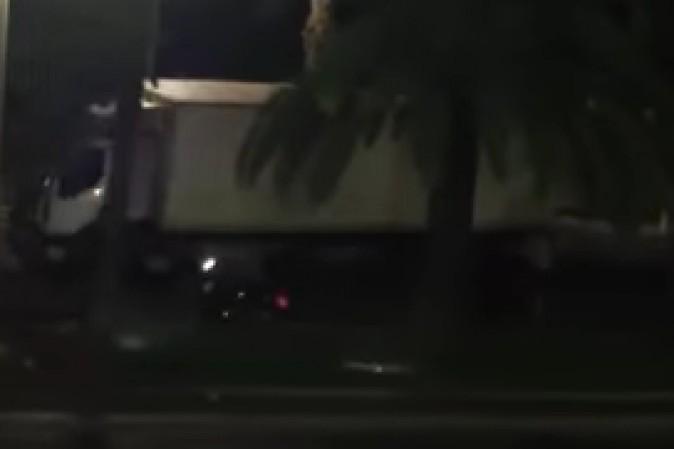 Nizza, il motociclista eroe che ha cercato di fermare il camion