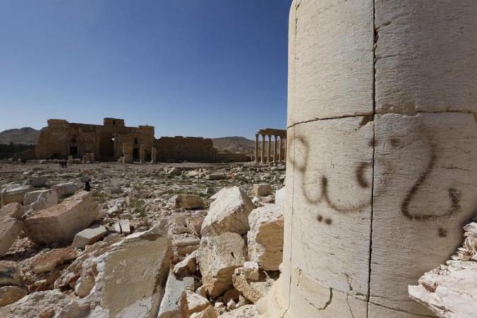 Siria: Palmira vista da un drone, i danni al sito