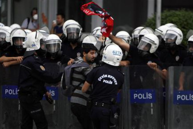 Turchia, altri mille arresti contro rete Gülen