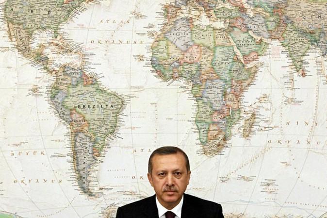 Erdogan minaccia di riaprire le frontiere ai migranti