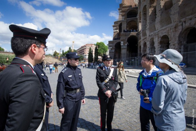 Poliziotti cinesi sulle strade italiane