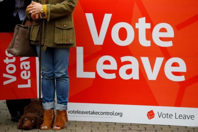 Brexit, è scontro tra Khan e Johnson per convincere gli indecisi