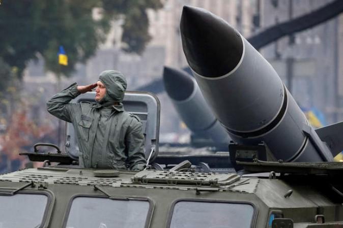 Test missilistici vicino al confine con la Crimea