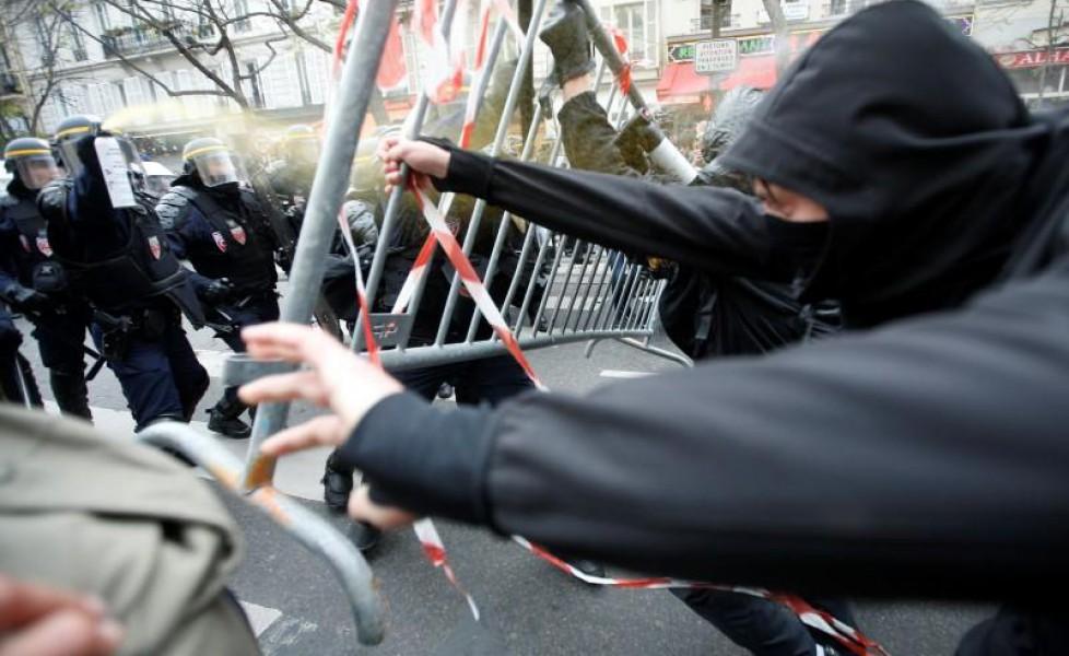 scontri-fra-manifestanti-e-polizia-nelle-vicinanze-di-place-de-la-r-publique-a-parigi-in-francia-credit-eric-gaillardorig_main.jpg (978×600)