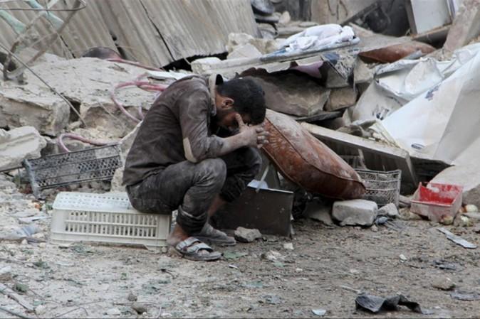 Pioggia di bombe su Aleppo, 90 morti
