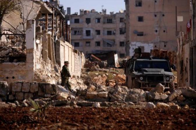 Siria: coalizione USA bombarda deposito di armi chimiche dell'Isis, civili uccisi