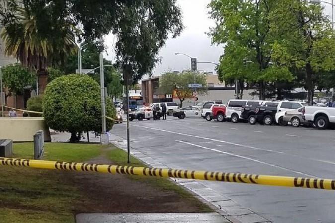 California, uccide tre persone al grido di Allahu Akbar. Aveva già ucciso