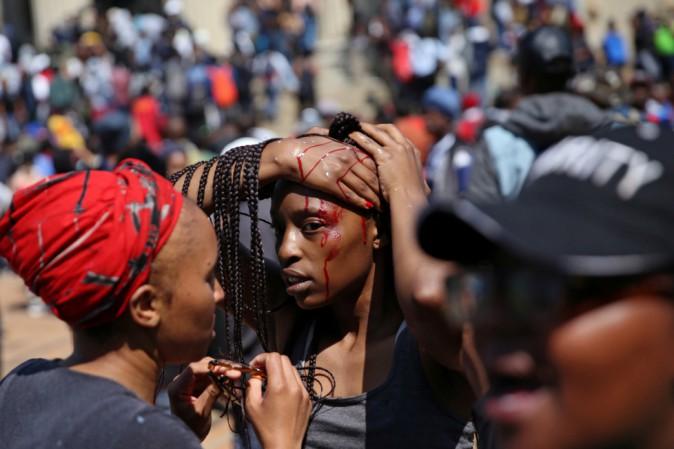 La protesta degli studenti universitari in Sudafrica di cui nessuno parla