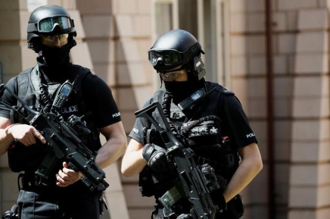 Attacco Manchester, polizia a caccia di possibile complici