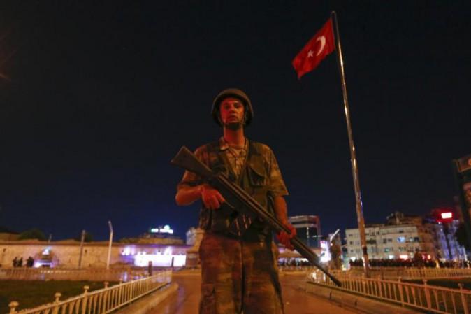Turchia: Trump a Erdogan, sostegno contro Isis e Pkk