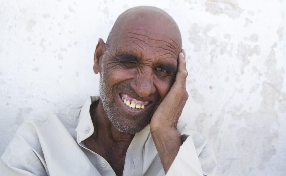un paziente del manicomio di herat si ripara all ombraorig main | contattolab.it