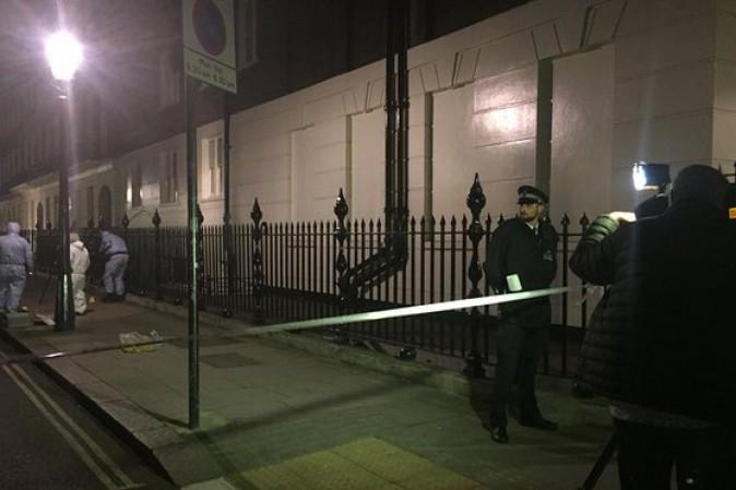 Londra: attacca i passanti con un coltello, muore una donna