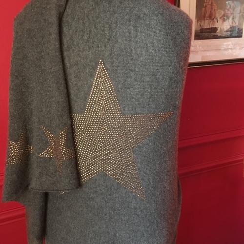 Cashmere star wrap