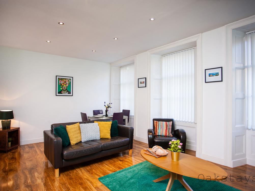 Apartment 13, Hampton Gardens