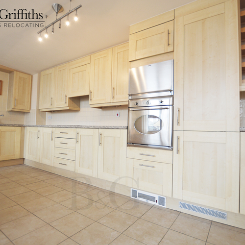 Renting in Cardiff - 2 Bedroom Penthouse Apartment, Cardiff Bay