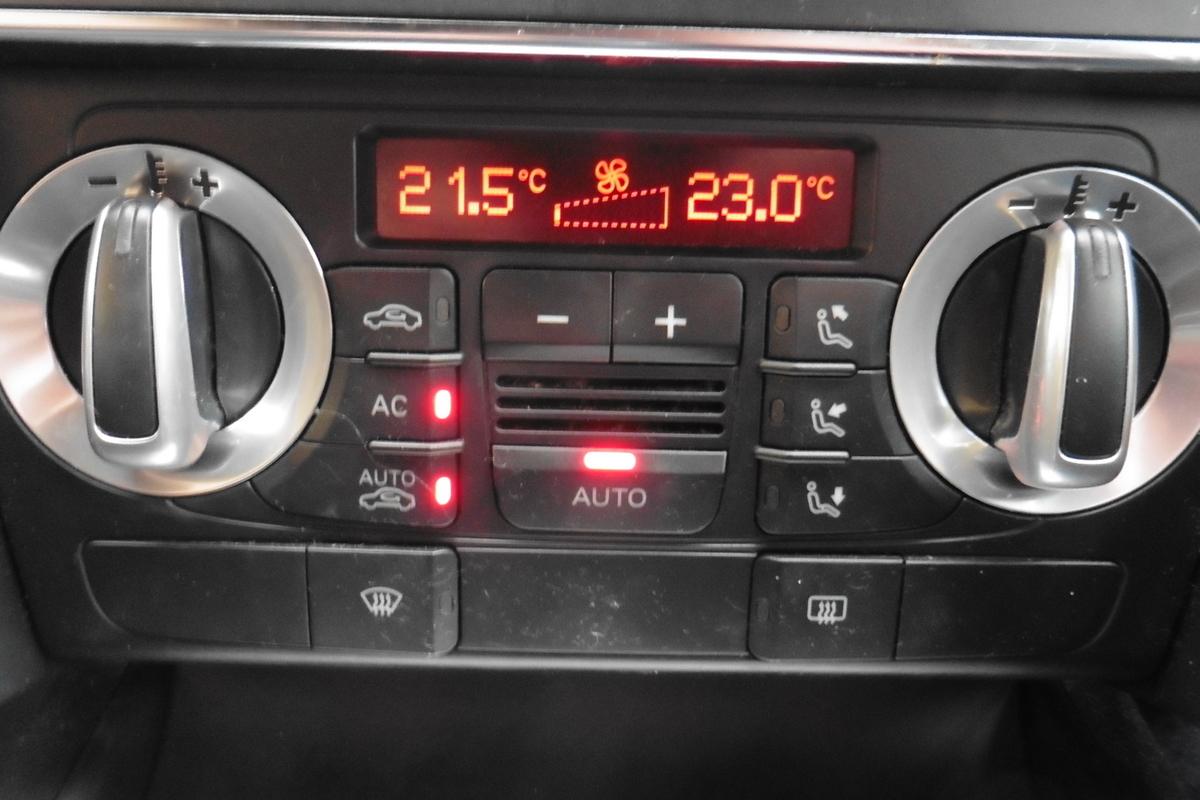 Audi A3 Cabriolet 2.0 TDI Sport S-Tronic 2dr - Sat Nav - Full Service History!