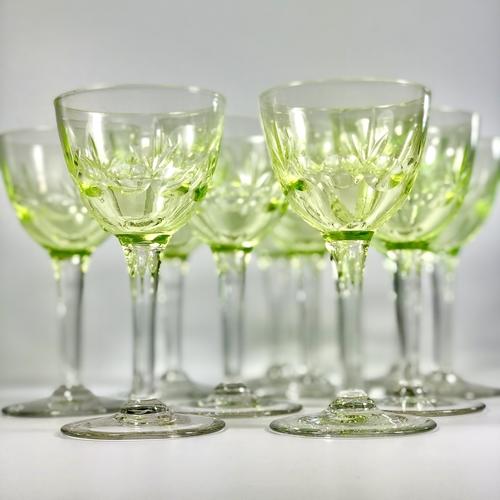 Set of Uranium Val Saint Lambert wine glasses