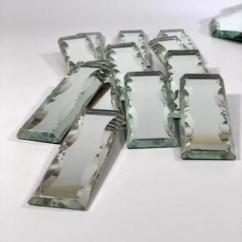 Glorious scallop edge mirrored Plateau table set
