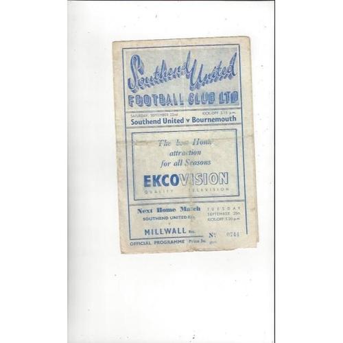 1951/52 Southend United v Bournemouth Football Programme
