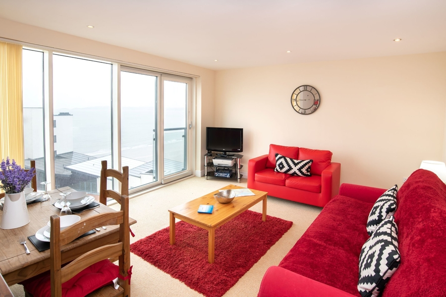 Meridian Quay - Prime Location Overlooking the Bay - 4 Star (Awaiting Grading), 1 Bedroom