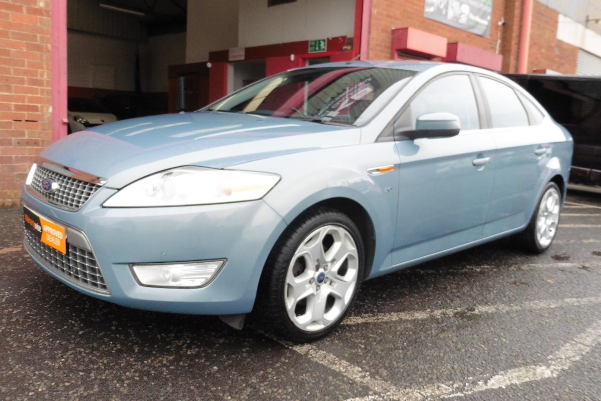 Ford Mondeo 2.0 TDCi Titanium X 5dr - Sat Nav - Bluetooth - Heated Seats