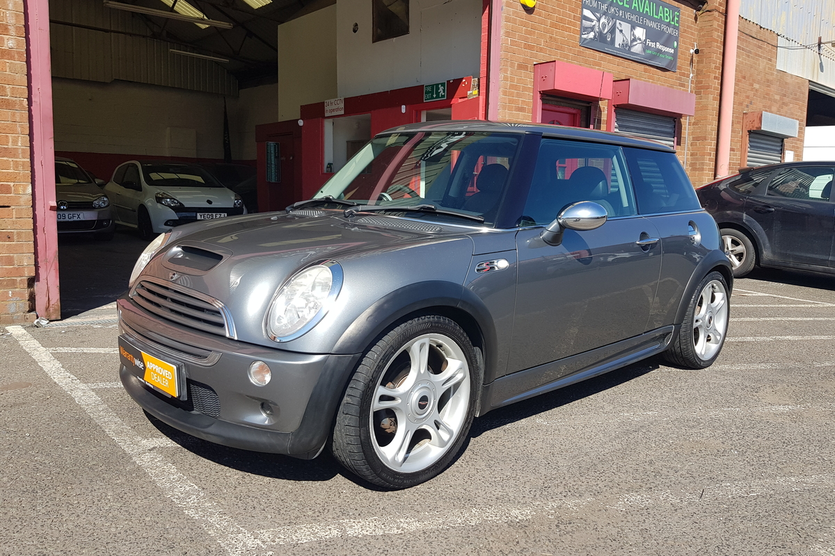 MINI 1.6 Cooper S 3dr - Full Leather Interior - Bluetooth Connectivity