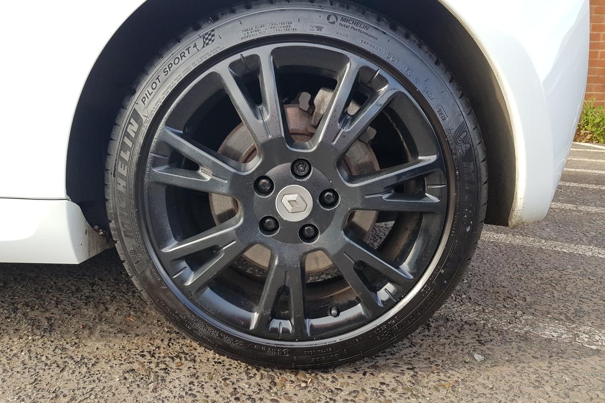 Renault Clio 2.0 VVT RenaultSport 3dr - Brembo Brakes - Cam Belt Change