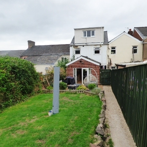 28 Queen Street, Lydney, Gloucestershire, GL15 5LY