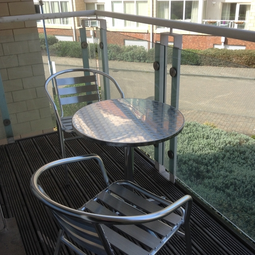 CENTURY WHARF CARDIFF BAY FURNISHED TWO BEDROOM APARTMENT WITH BALCONY