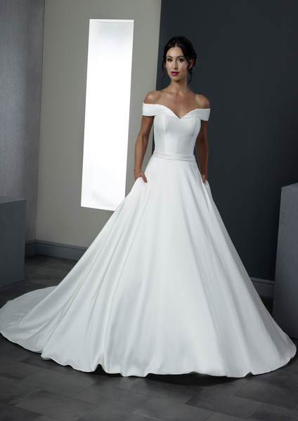 When should I start wedding dress shopping?