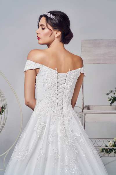 Can wedding Dresses be let out/made bigger?