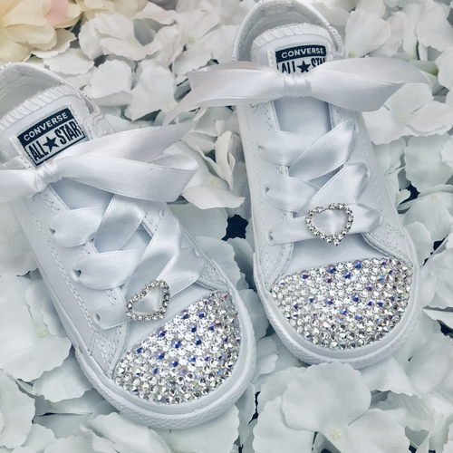 SWAROVSKI CRYSTAL KIDS CONVERSE WITH HEART CHARM