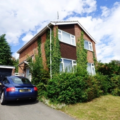 17 Almond Walk, Lydney, Gloucestershire, GL15 5LP