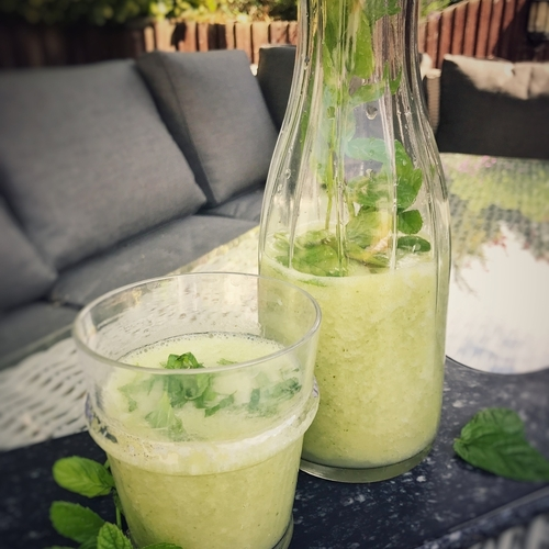 Gooseberry and Mint Crush