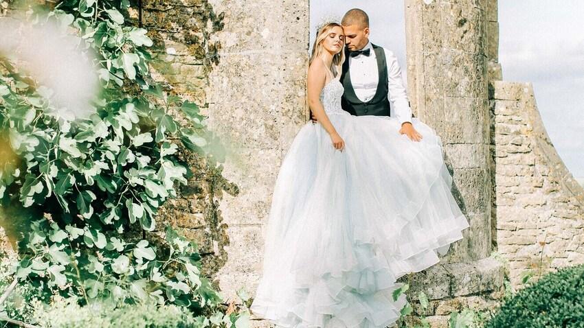 Wedding couple in the fabulous gardens of Hamswell House wedding venue