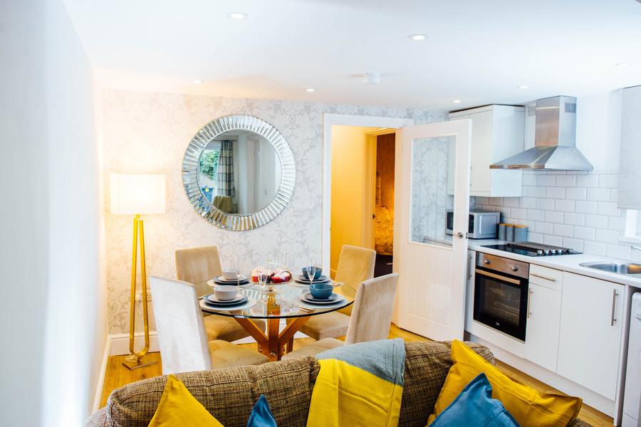 Villa Mimosa - 2 Bedroom Apartment