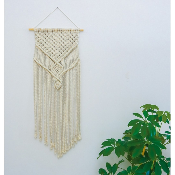 Macrame makes a vintage comeback