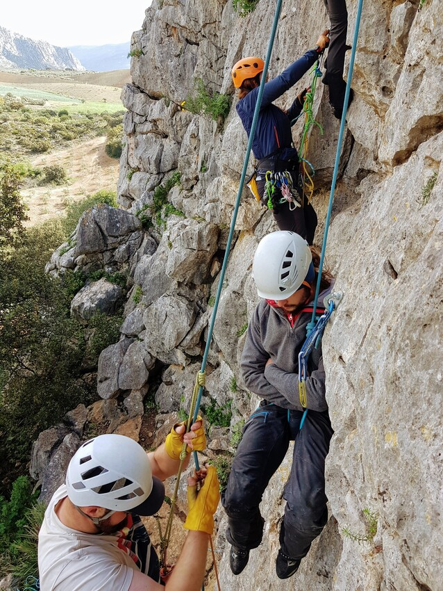Intro to Multi-pitch sport climbing course