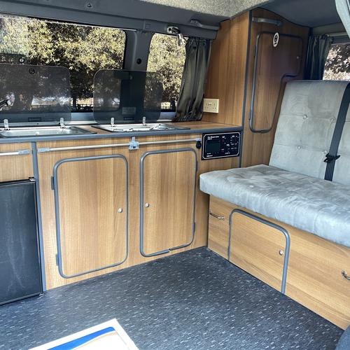 Toyota Granvia 3.0D Camper Van Poplar Motors Conversion Automatic Stunning!