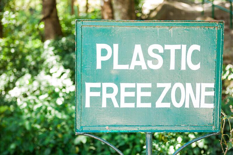 Plastics vs Bio-plastics